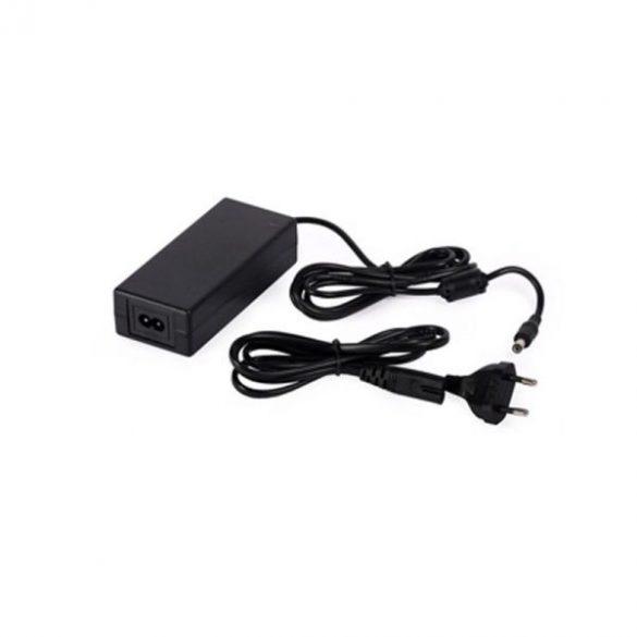 TÁPEGYSÉG kamerához+hálózati kábel 12V/5A D, asztali kivitel